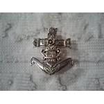Broche Croix de camargue argentée 4x3 cm