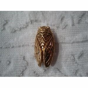 Broche Cigale dorée 3,5x1,5 cm